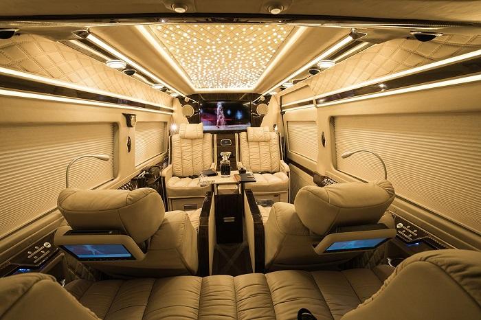 Nội thất xe Limousine cao cấp hiện đại