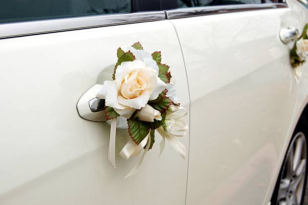 Nên chọn lựa thuê xe cưới tại đâu để dễ chọn màu theo sở thích?