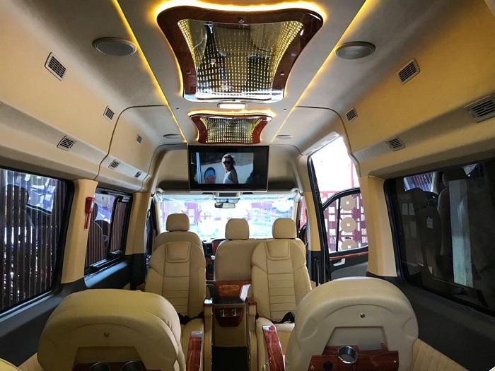 Dòng xe limousine 16 chỗ cao cấp luôn được ưu ái