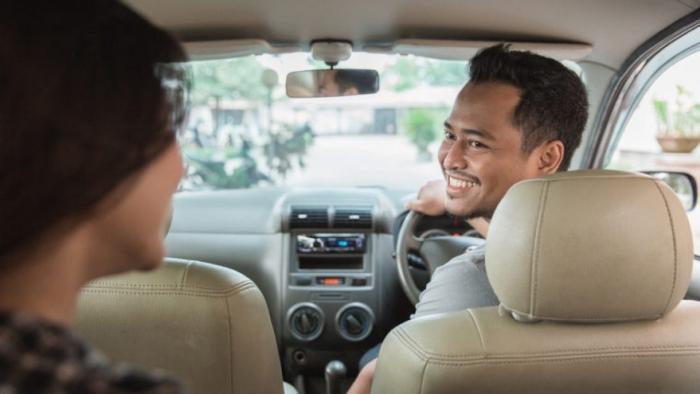 Thuê xe 16 chỗ có người lái đi Nha Trang có tốn nhiều tiền