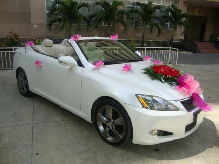 Xe cưới đẹp đưa đón dâu rể ngày trọng đại